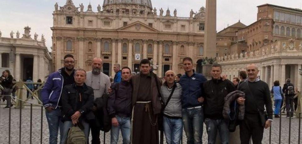 Giubileo dei Carcerati – Fr. Carmelo e sei detenuti in trasferta dal Papa