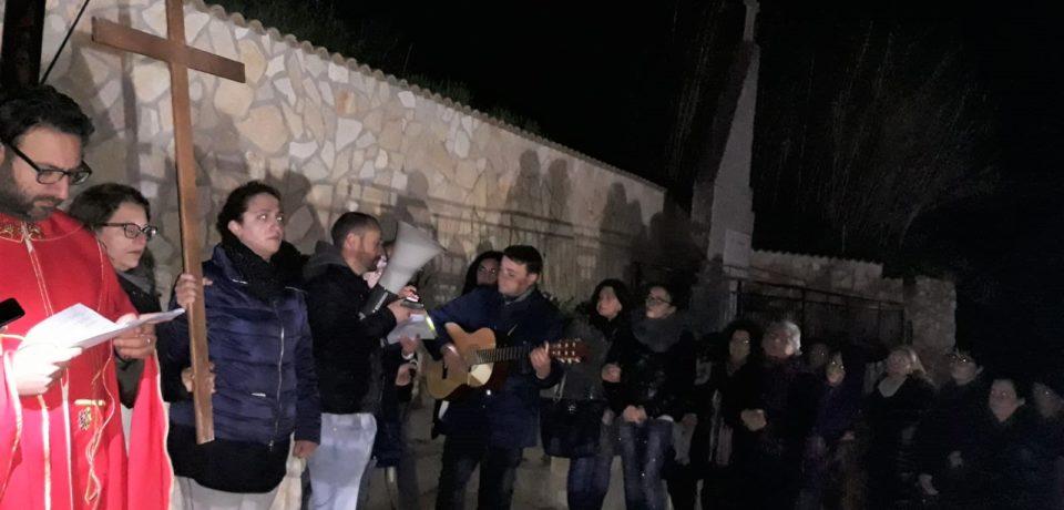 Il Gruppo Giovani Santa Liberata a Regalgioffoli ha animato la Via Crucis per le vie della frazione