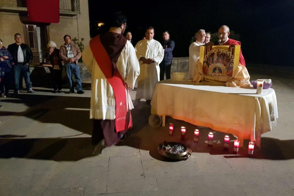 Parrocchia Maria SS. del Rosario – Processione in preparazione alla Pentecoste